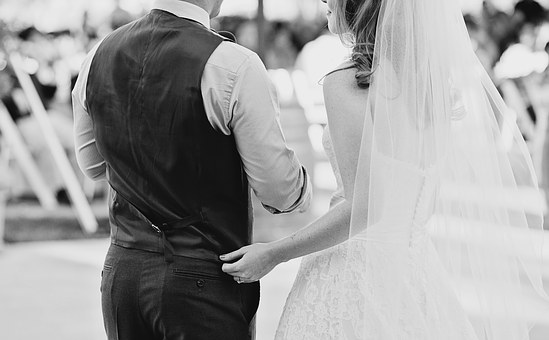 wedding-1209729__340