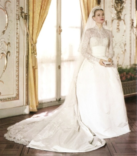 grace-kelly-wedding-dress-colour