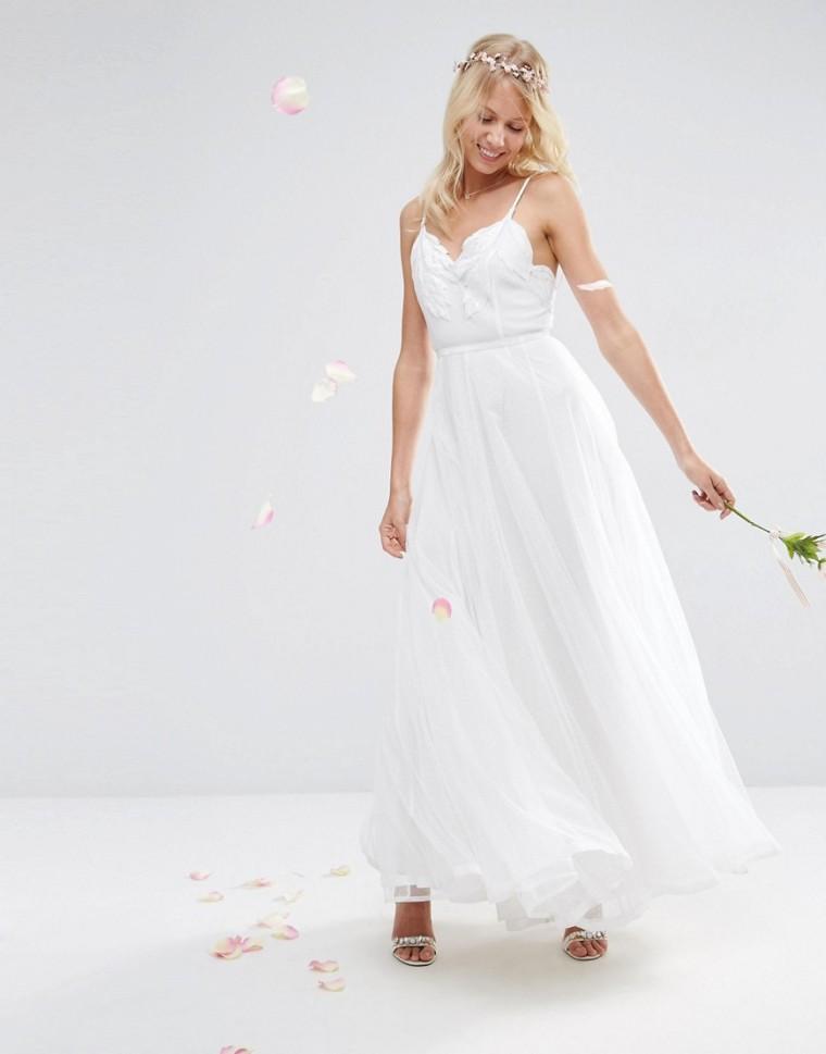 Vestido Camisola largo de malla bordada de ASOS BRIDAL 174,99€