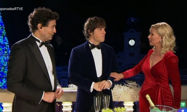 vestido-anne-igartiburu-campanadas