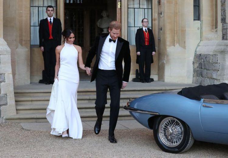 hbz-meghan-markle-wedding-gown4-1526758146