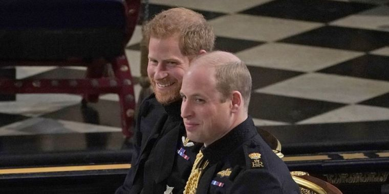 prince-william-dad-moments-royal-wedding-1526838524